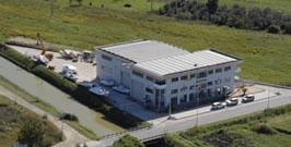Piombino - la nuova sede Aquasport -è una struttura di 4000 mq con sbocco diretto sul mare